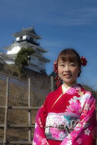 祝成人式 掛川城を背景に撮影