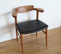 腰の椅子AWAZA、現品限りお値打ちです!!