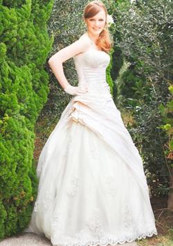 ウェデイングドレス